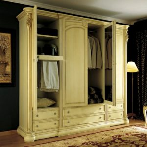 Гардероб, шкафы для одежды
